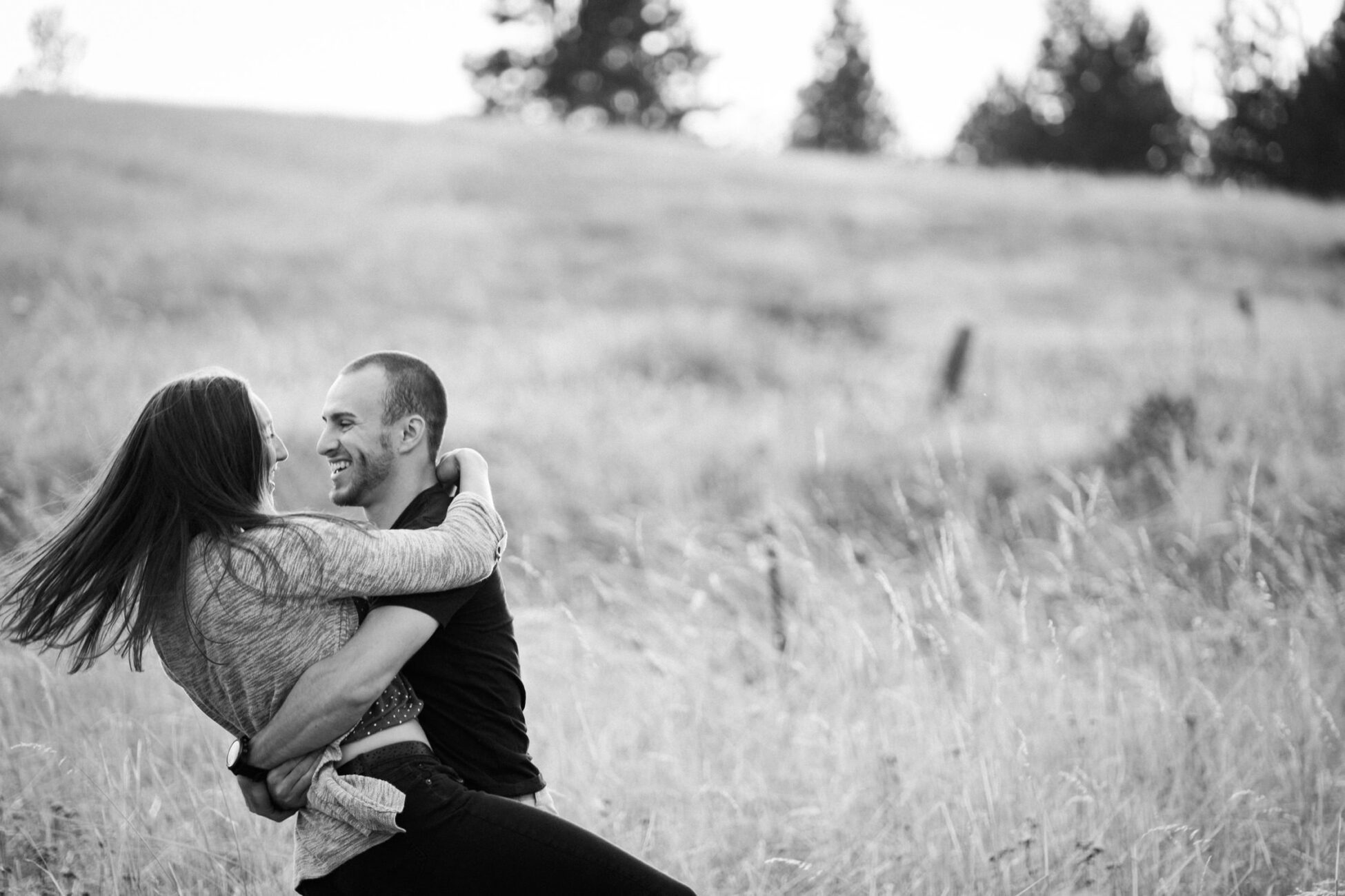 Hug spin laugh Engagement session Columbia River Gorge Oregon